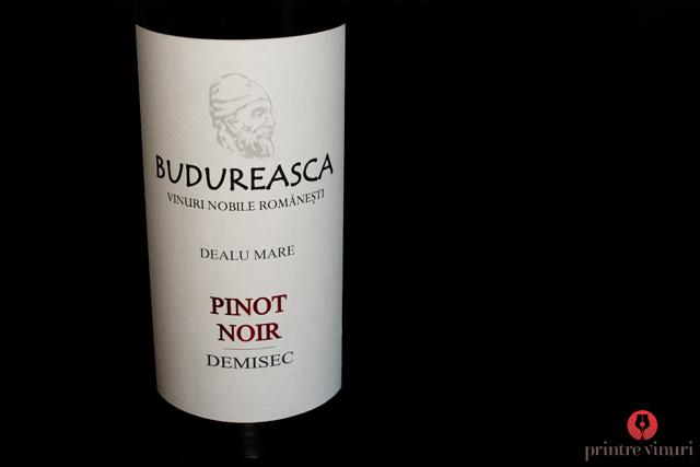 Pinot Noir demisec 2010 Budureasca
