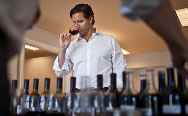 Mic tratat despre cum functioneaza industria vinului (I)