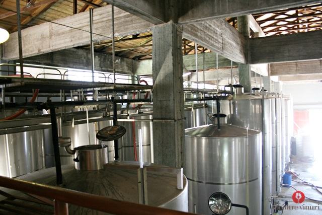 kefalonia-robola-cooperative-steel-tanks