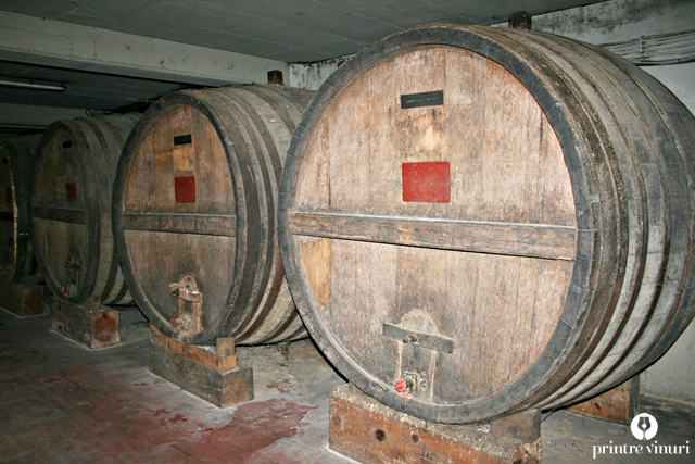 old-wine-barrels-boutari