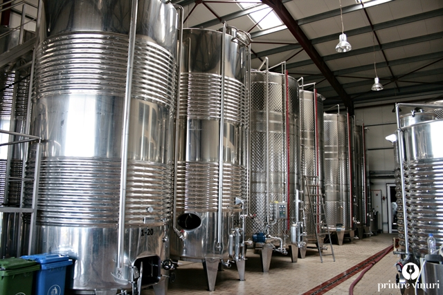 steel-tanks-kechris-domaine
